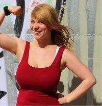 Curvy berlin nackt laura Beste Laura